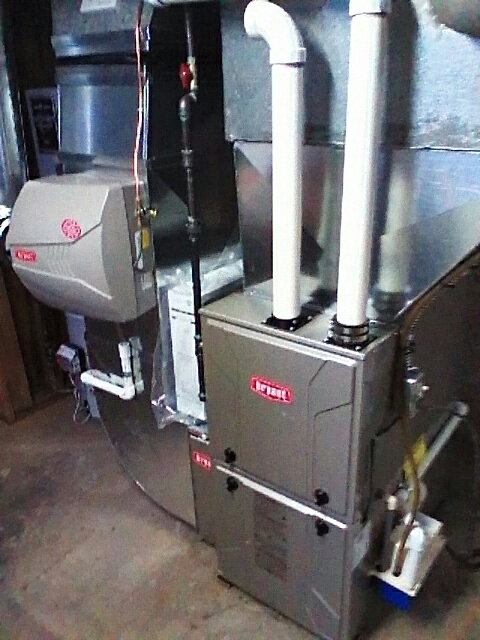 Birmingham, MI - Installing a new 96% eff. Bryant furnace and humidifier