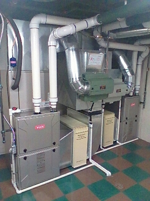 West Bloomfield, MI - Installing 2 Bryant 96% efficient furnaces and 2 Bryant air conditioners