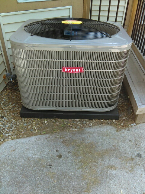 Birmingham, MI - Install the three and a half ton Bryant air conditioner