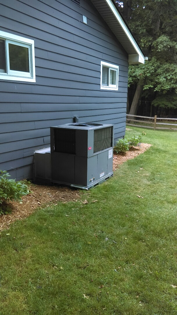 Orchard Lake Village, MI -  installed a new Bryant rooftop unit