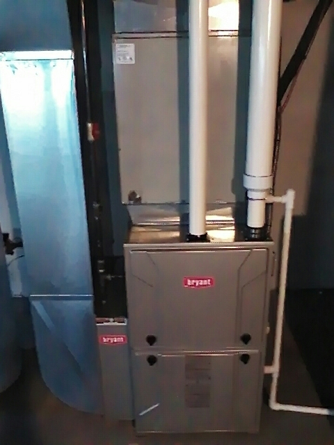 West Bloomfield, MI - Installing a 96% single stage Bryant furnace