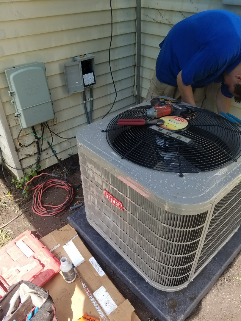 West Bloomfield Township, MI - Dodged the rain to get this A/C installed