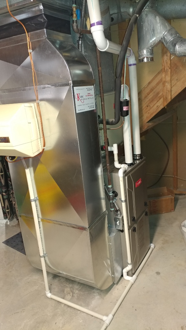 Waterford Township, MI - Installing 96% efficient Bryant furnace