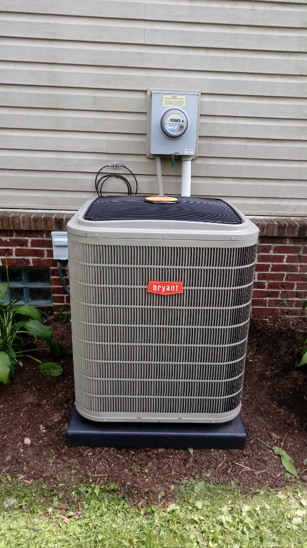 Commerce Charter Township, MI - Installed a Bryant Evolution air conditioner and furnace