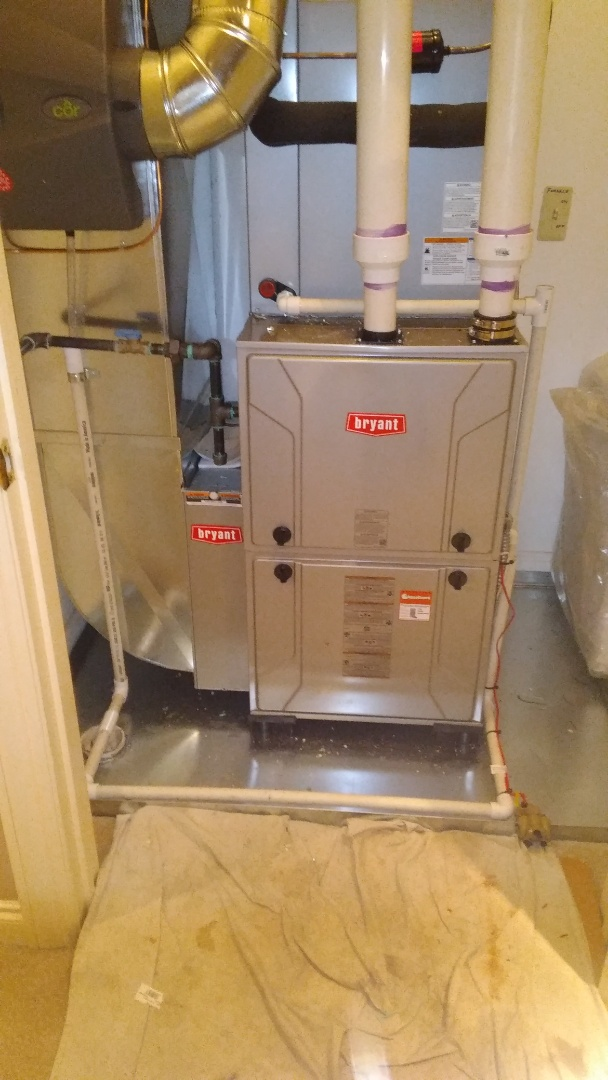 Bloomfield Hills, MI - Installed a hundred thousand BTU Bryant furnace 90% efficient