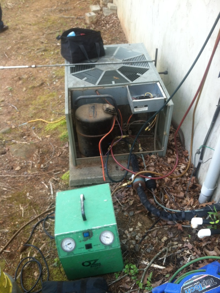 Duncan, SC - Changing out a compressor in Duncan sx