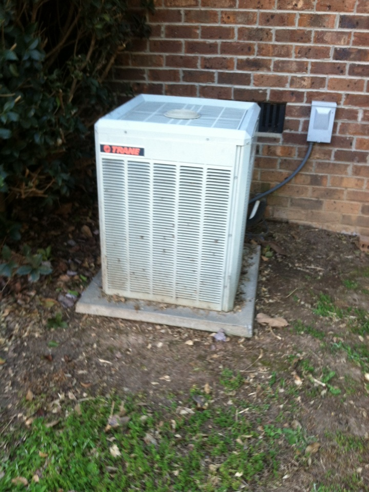 Boiling Springs, SC - Unit not cooling. Wires broken by someone leading to condenser