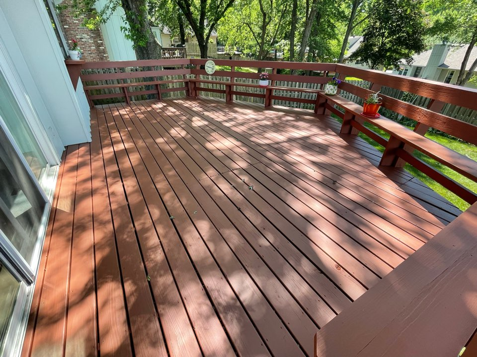 Kansas City, MO - Guys knocked it out of the park on this deck stain job!