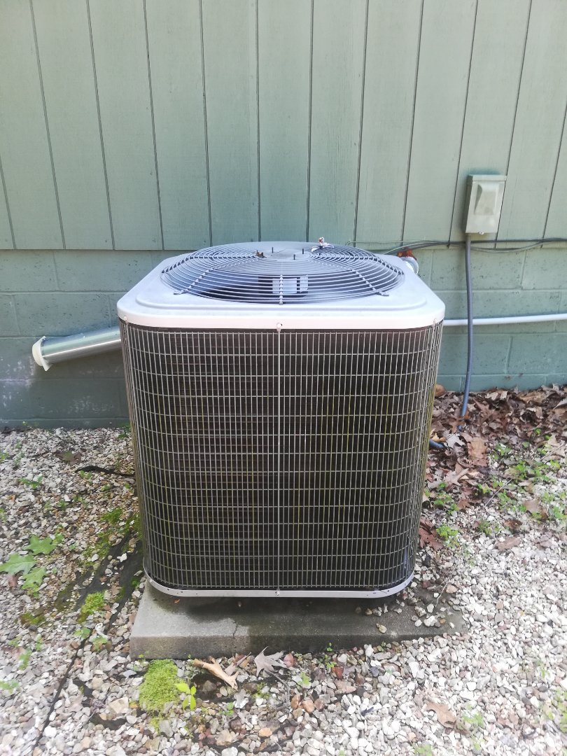 Bella Vista, AR - Repairing an air conditioning unit