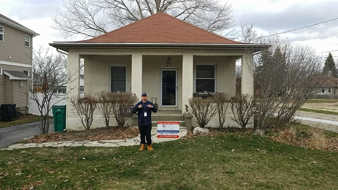 Lemont, IL - Signed up homeowner for hail and wind damage on Roof due to storms