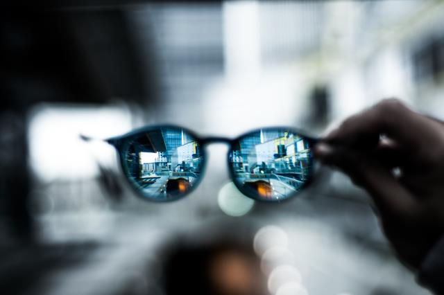 Niceville, FL - What are polarized lenses? Polarized lenses are specially designed to filter out certain types of glare that tend to radiate upward from horizontal surfaces when sunlight bounces off of these surfaces.