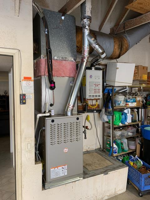 La Mirada, CA - Installed new Payne 80,000 BTU Ultra Low NOx furnace, Payne 14+SEER condenser and coil.