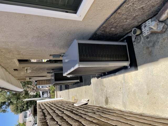 Huntington Beach, CA - no cold air, add air conditioning, replace ac, new Carrier air conditioning, mini split system, ductless split system, estimate for new AC, Honeywell thermostat