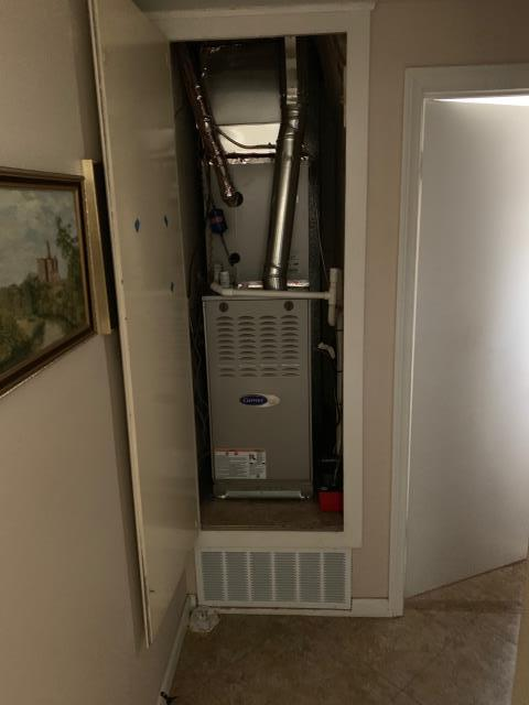 Placentia, CA - Installed a new Carrier variable speed furnace and 19+SEER variable speed condenser.
