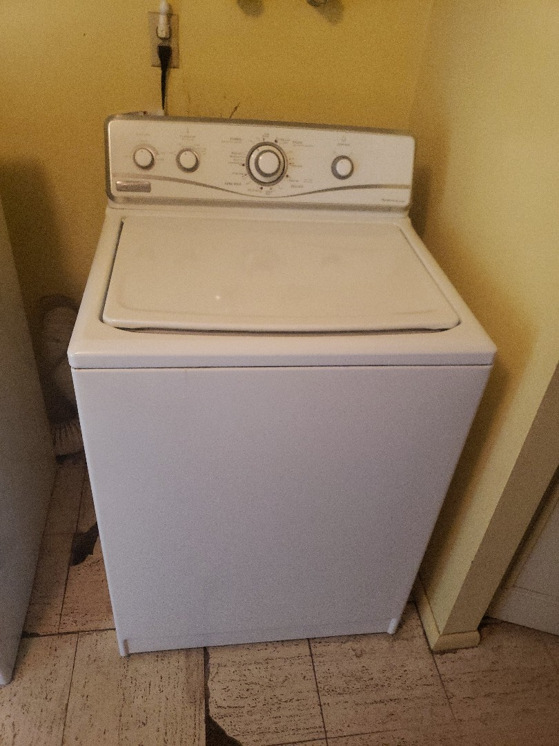Scottsdale, AZ - Maytag washer fills but wont agitate or spin.