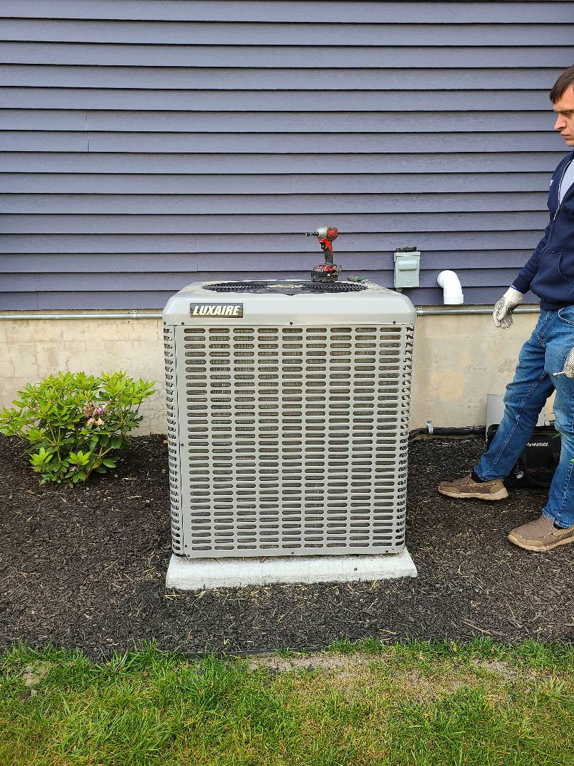 Tinton Falls, NJ - Replacing compressor in condensing unit in Tinton falls