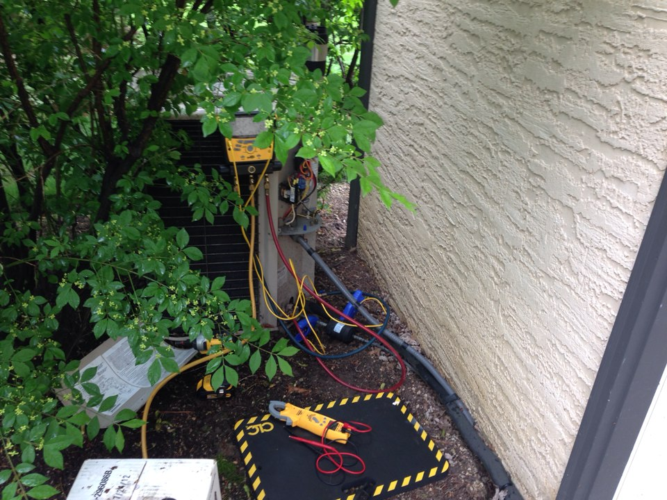 Worthington, OH - After testing a Lennox hsxa12 air conditioning unit it was determined that a refrigerant charge and wiring repair were needed.