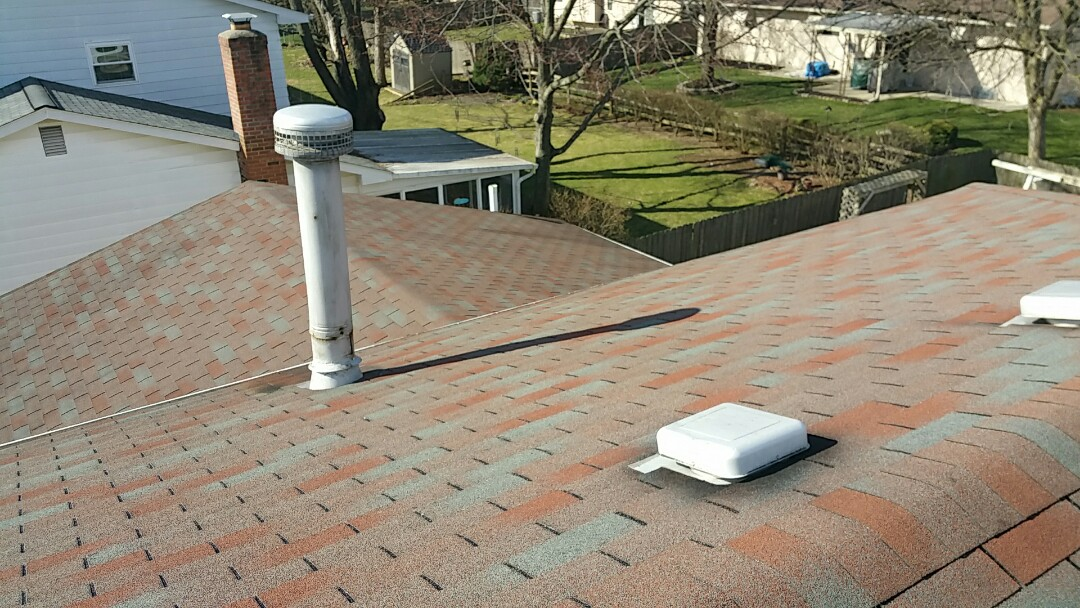 Reynoldsburg, OH - Inspection for a full roof replacement. Current roof is improperly vented.