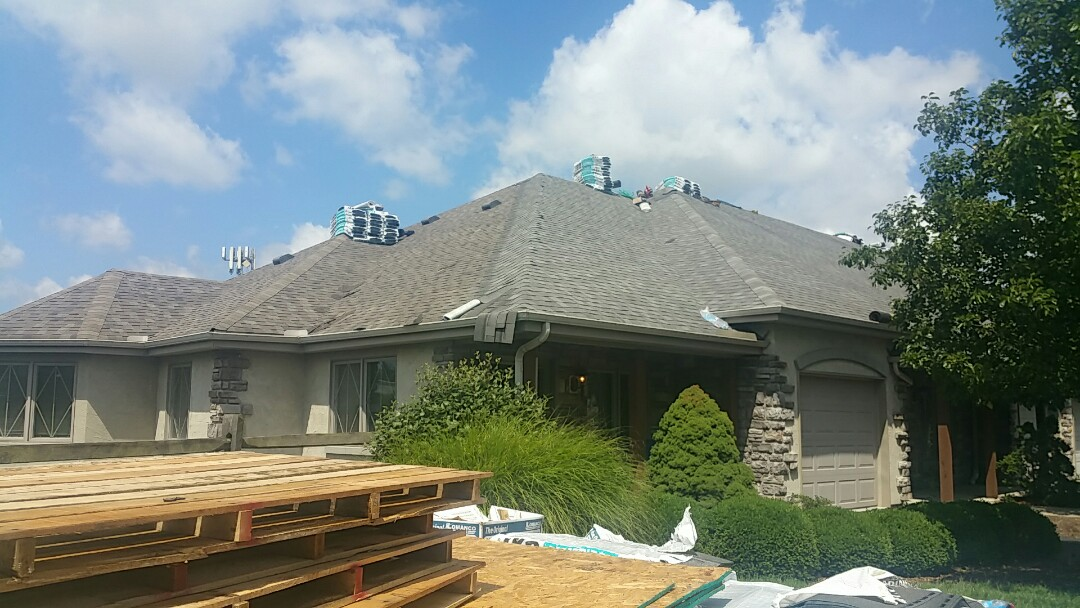 Springdale, OH - The final building on Phase 1 of this commercial roofing project is nearly complete!