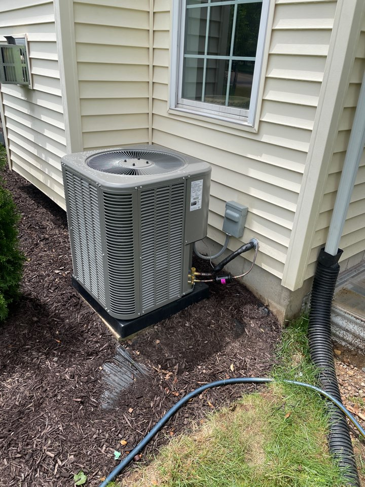 Syracuse, IN - Installation of Lennox ac and coil