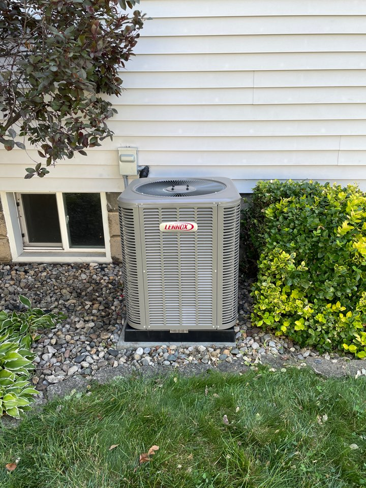 Warsaw, IN - Installed NEW Lennox 13ACX Air Conditioner