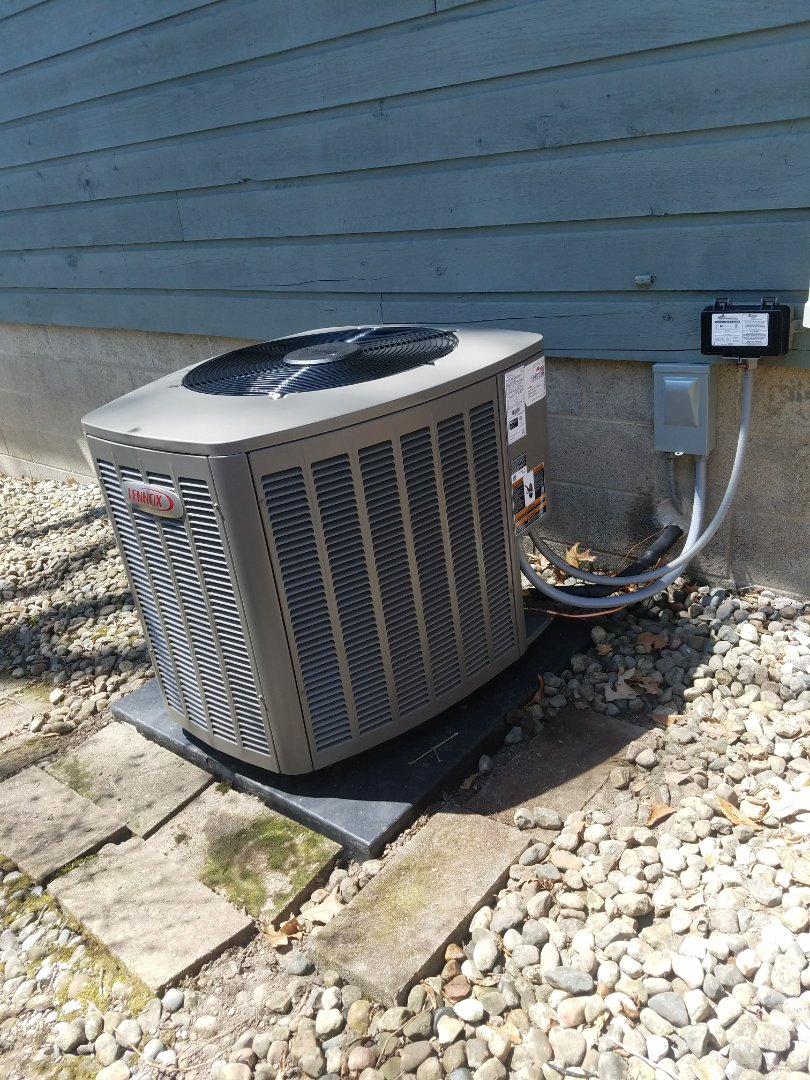 Columbia City, IN - Install Lennox elite series 16ACX air conditioner