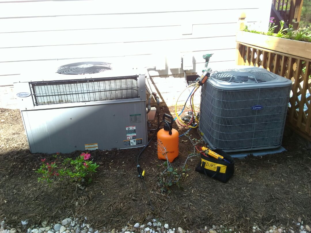 Apex, NC - AC maintenance call. Performed AC tune up on Carrier systems.