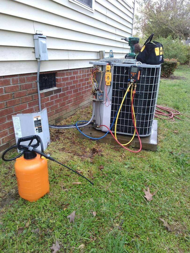 Wendell, NC - Perform AC maintenance, inspection call on Carrier heat pump system. Perform AC tune up