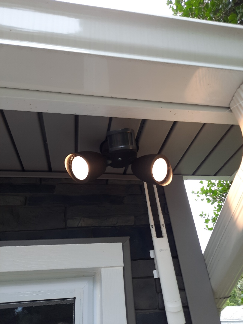 Pasadena, MD - Diagnostic on inoperable motion sensor lights in Long Point