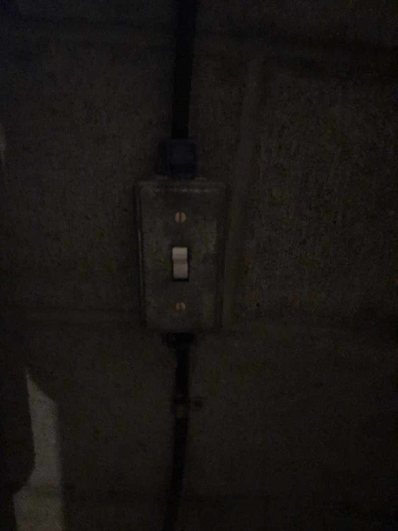 Pasadena, MD - Replace defunct 240v switch and restore power to well pump in Long Point
