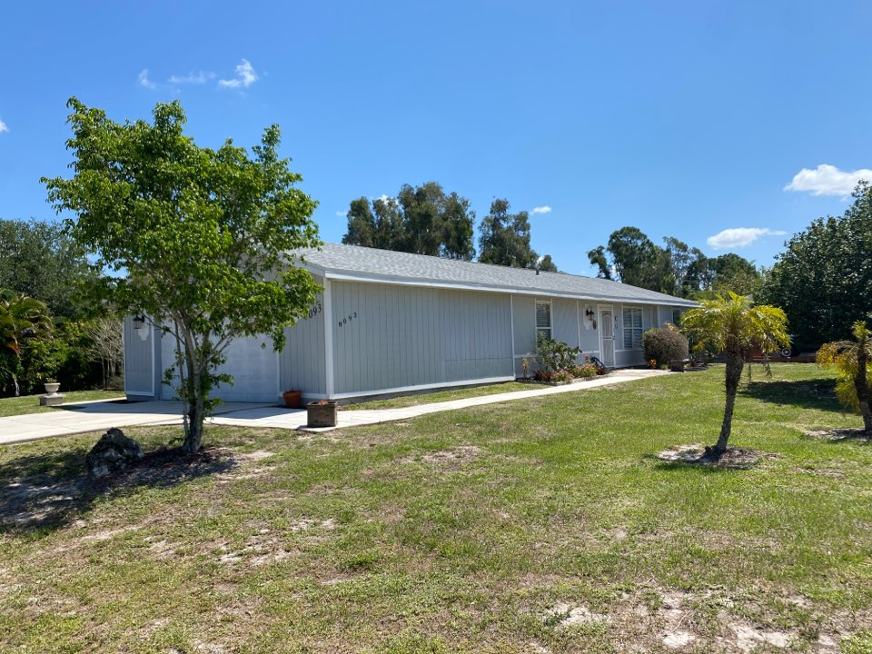Fort Myers, FL - We got this roof fully replaced covered by homeowners insurance.