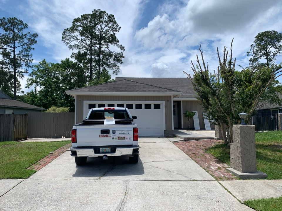 Jacksonville, FL - Windows, Siding repair and house painted!  Another happy customer