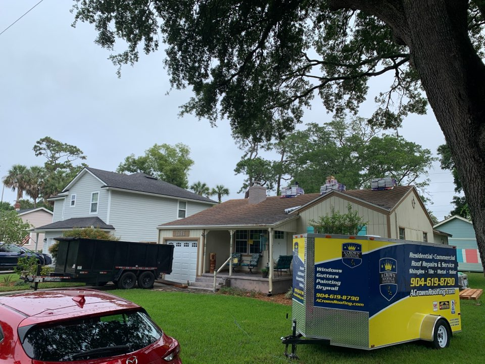 Jacksonville Beach, FL - New roof, windows and siding to be installed.  Free estimates for each.  Call us today to see what we can do for you!