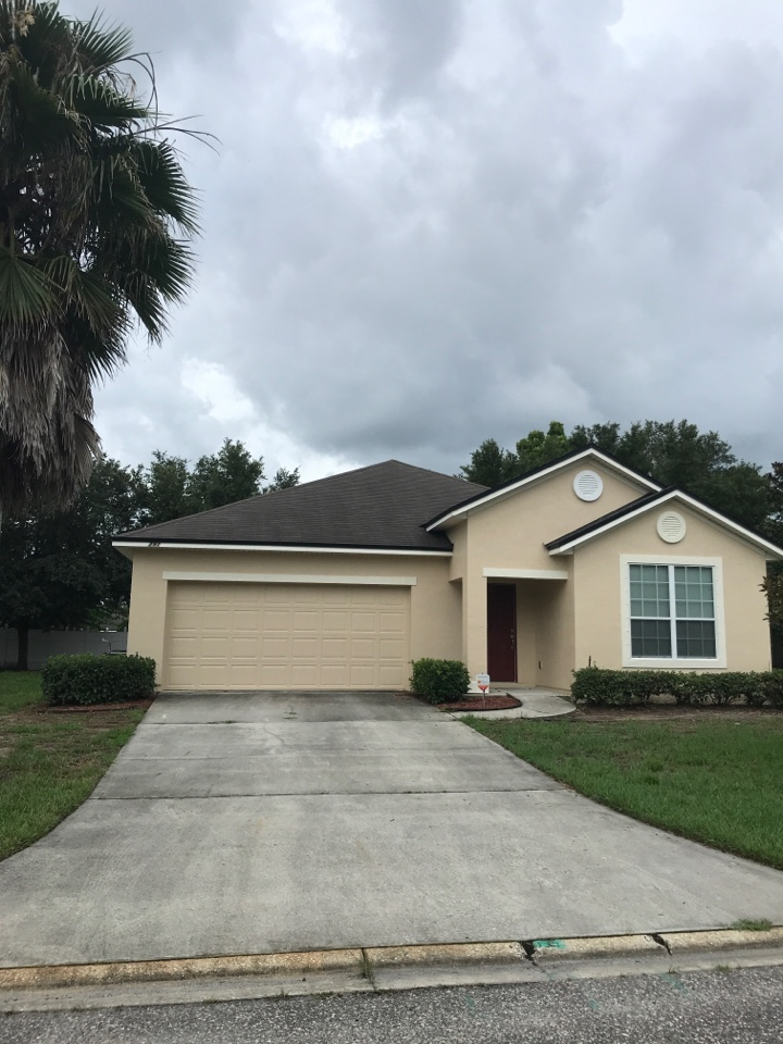 St. Augustine, FL - Out doing good a roof estimate in Saint Augustine for a customer. If you need a free roof estimate to ensure that your roof is ready for the for the hurricane season please do not hesitate to call me Joe at 904-563-0122