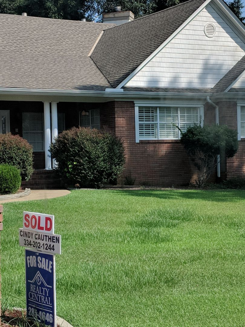 Very nice home in Prattville that just sold. You missed out, but if your in the market, Cindy Cauthen would be happy to show you around! 334-202-1244