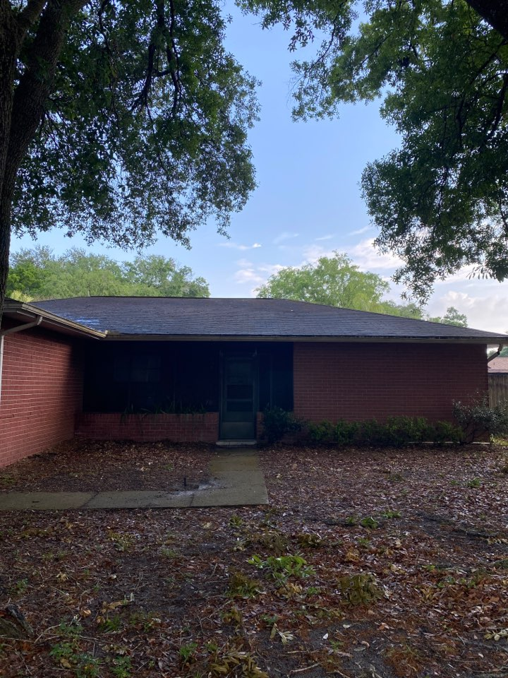 Lutz, FL - Insurance forced roof replacement. Looking for a complete reroof with new architectural shingles. Interested in Owens Corning duration shingles with an energy star rating
