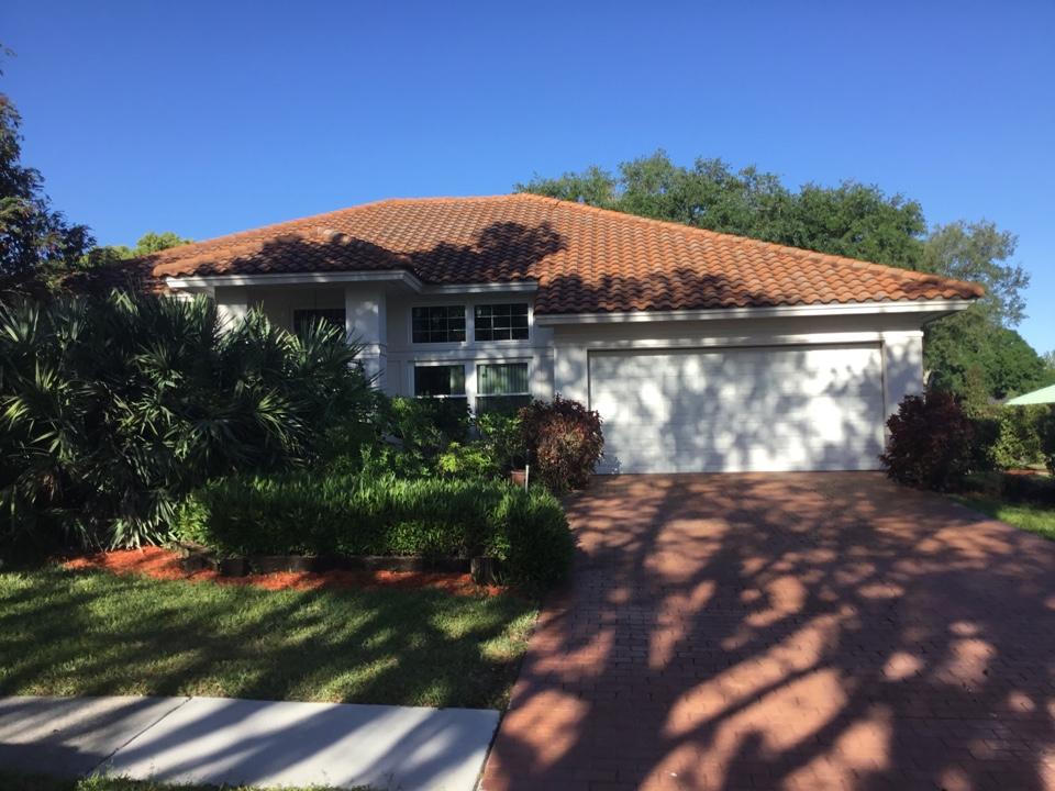 Palm Harbor, FL - Tile roof
