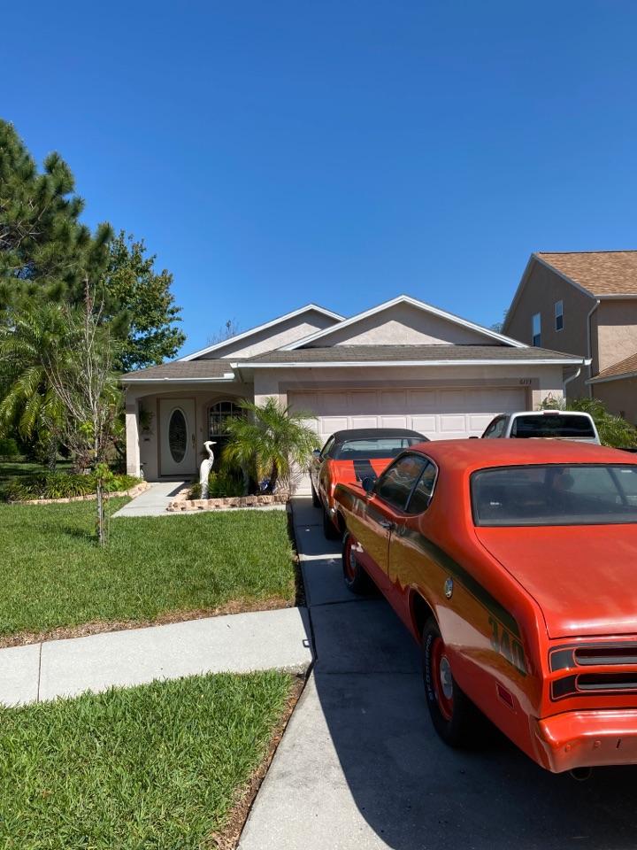 Tampa, FL - Tampa Florida near town and country looking for full roof replacement. Re-roof with Owens Corning's duration architectural dimensional shingles
