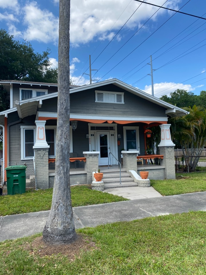 Tampa, FL - Historic bungalow for roof replacement. Entire reroof with Owens corning duration architectural shingles