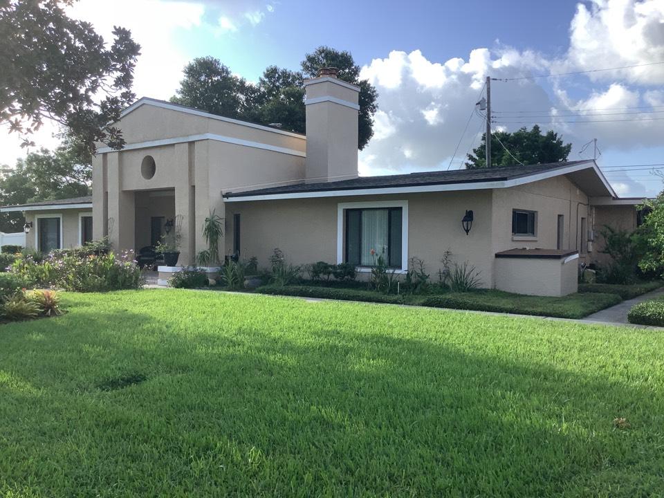 Seminole, FL - Gave estimate for roof repairs