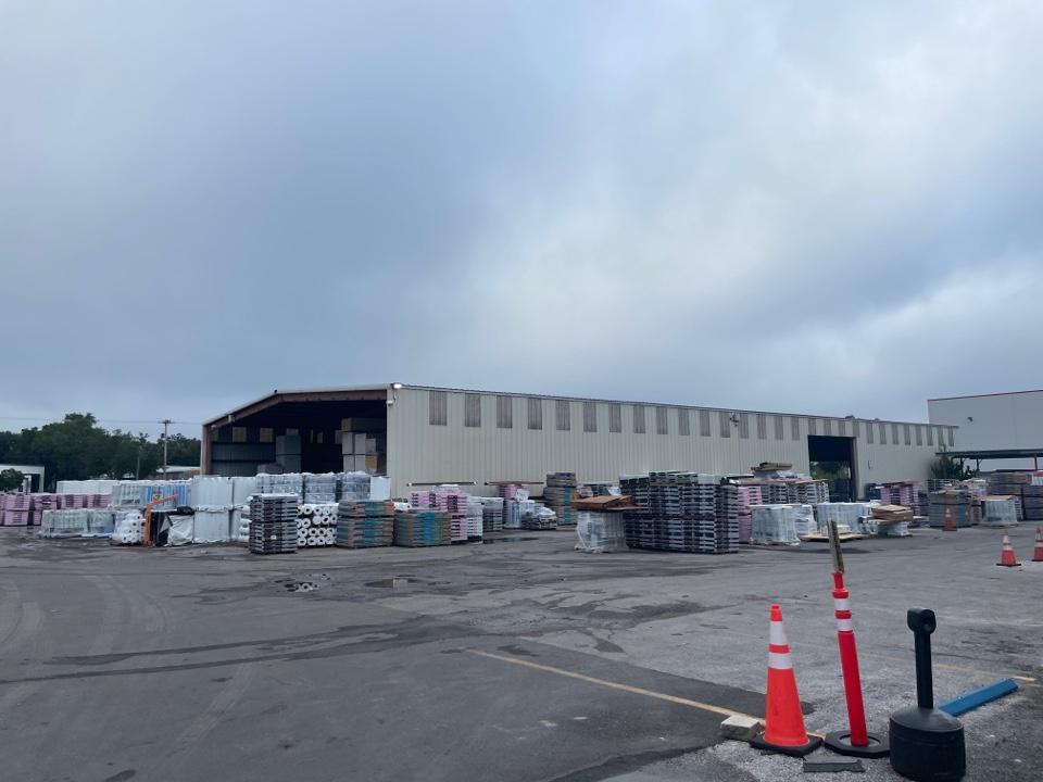 Tampa, FL - Picking up materials