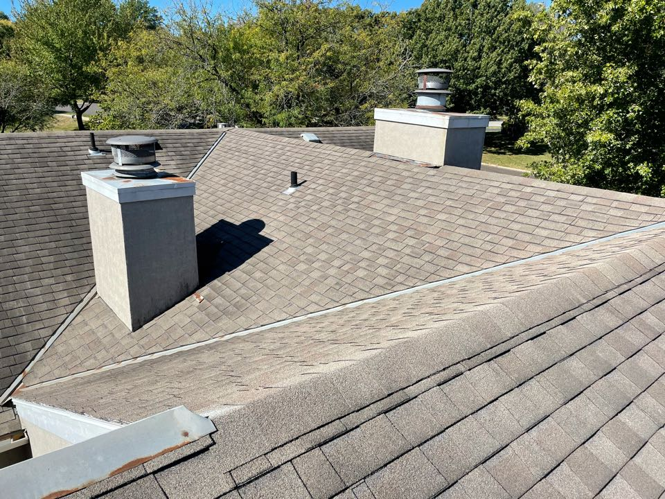 Overland Park, KS - Another roof inspection. Another happy homeowner! This one has no roof leaks but our Roof Repair Team will get this one touched up. If you are looking for a roofer in your area, give us a shout. We offer roofing, guttering, siding and windows with a free inspection!