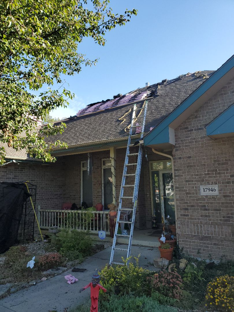 Bonner Springs, KS - It's building day in Basehor. Helping a fellow ACA member get a new roof