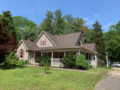 Mantua Township, NJ - Beautiful roof lines to show off this new GAF Timberline Barkwood roof.