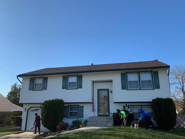 Deptford Township, NJ - Completed roof replacement using GAF Timberline Hickory shingles.