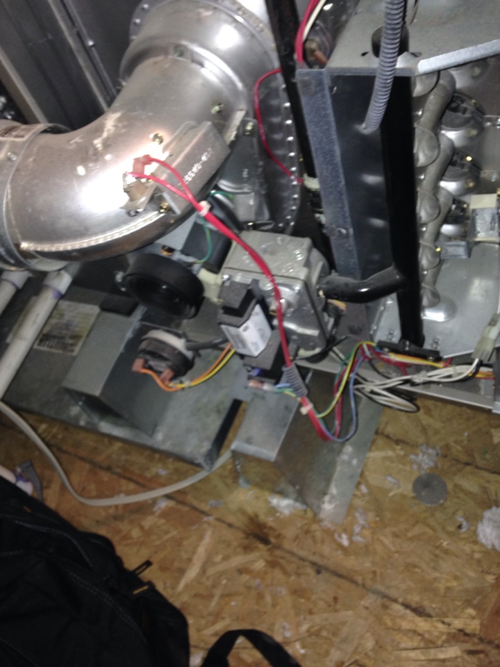 North Highlands, CA - Furnace and air conditioning service tune up on a york install