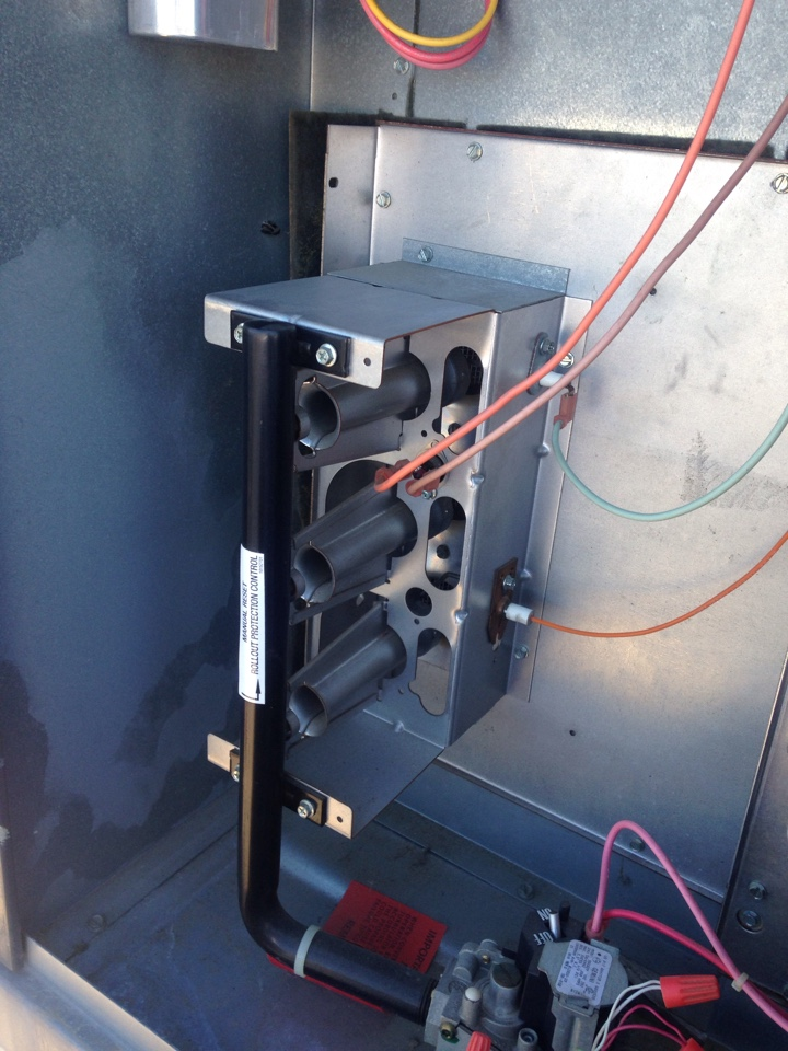 Rio Linda, CA - Heating and air conditioning repair tune up and service on an Amanda installation