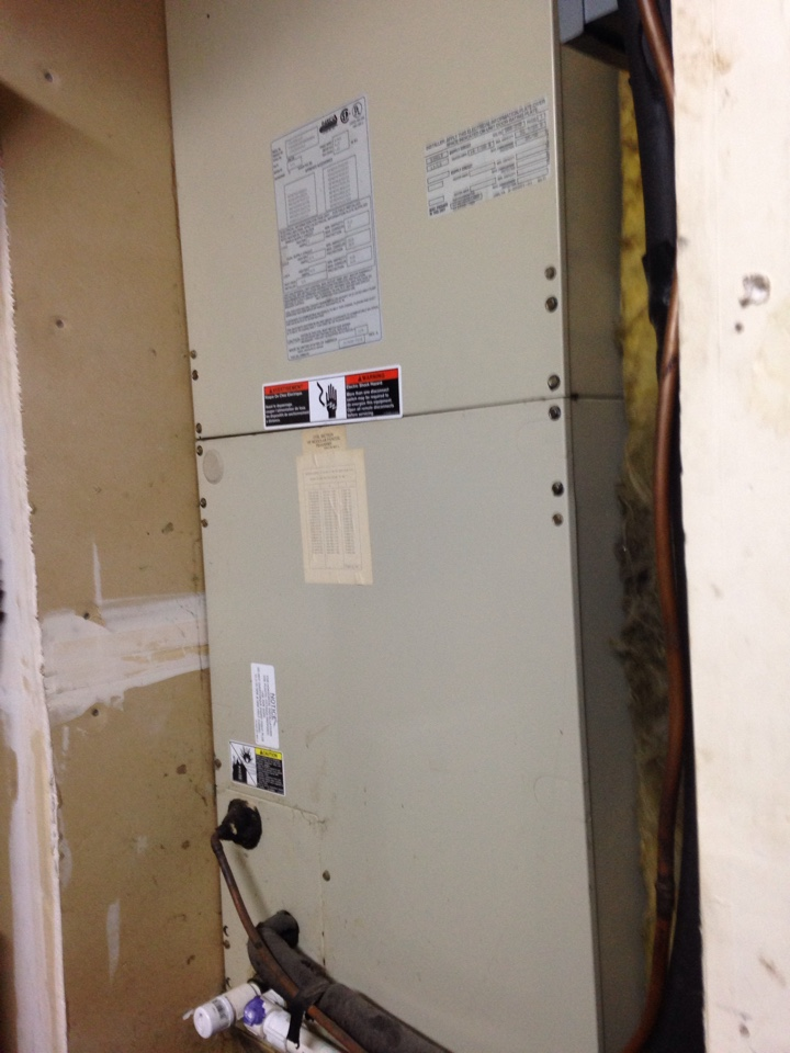 Antelope, CA - Heat pump repair installation and service on a day and night installation