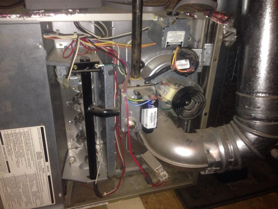 Folsom, CA - Carrier furnace in attic. Maintenance tune up heat.