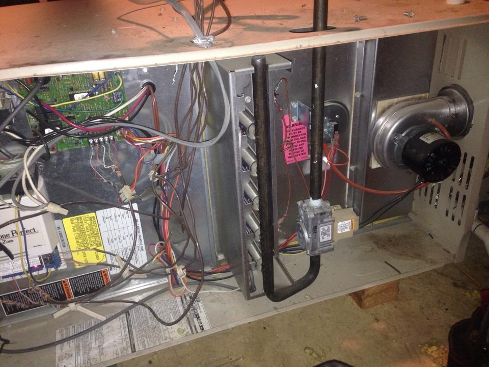 Folsom, CA - Hvac diagnostic on Lennox furnace in attic.